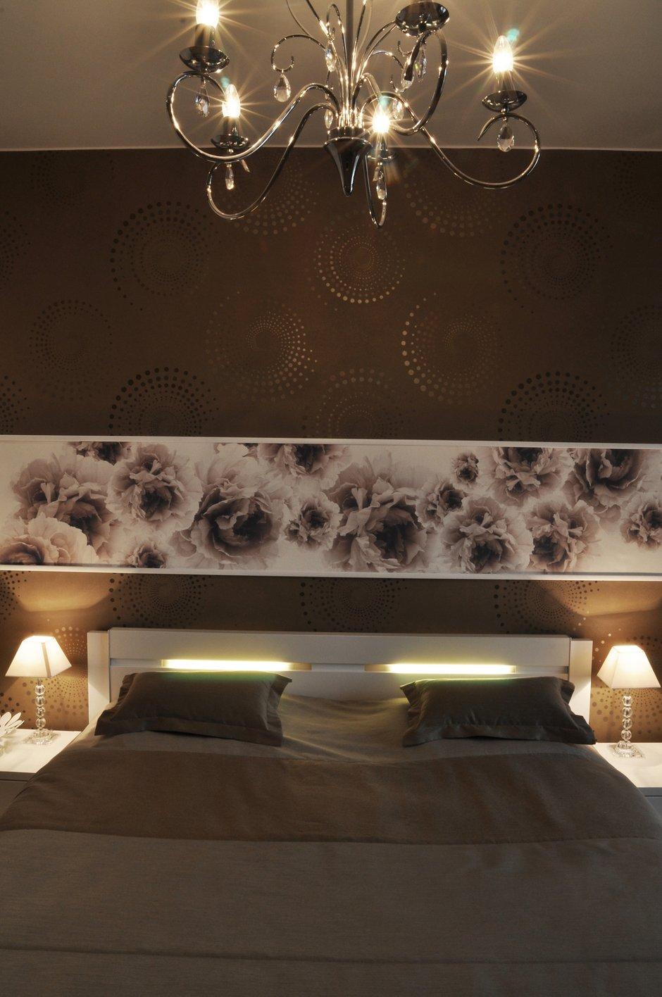 Фотография: Спальня в стиле Эклектика, Малогабаритная квартира, Квартира, Цвет в интерьере, Дома и квартиры, Белый, Переделка – фото на INMYROOM