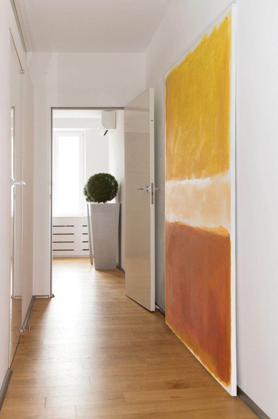 Фотография: Прихожая в стиле Лофт, Квартира, Цвет в интерьере, Дома и квартиры, Белый, Минимализм, Проект недели – фото на INMYROOM