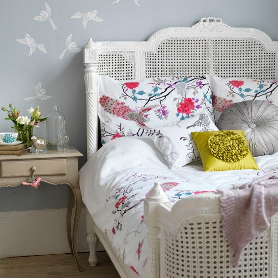 Фотография: Спальня в стиле , Декор интерьера, Дизайн интерьера, Цвет в интерьере, Серый – фото на INMYROOM