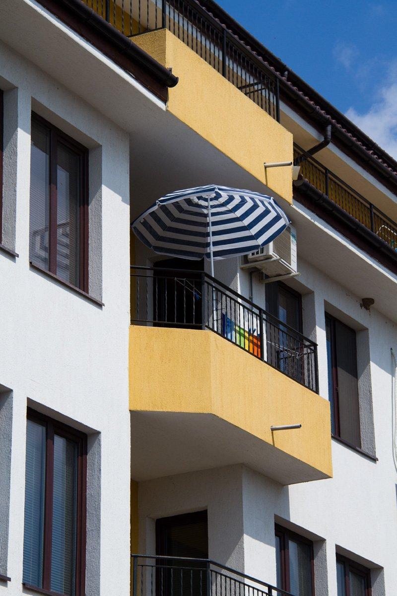 Фотография: Балкон, Терраса в стиле Современный, Декор интерьера, Квартира, Цвет в интерьере, Дома и квартиры, Стены – фото на INMYROOM