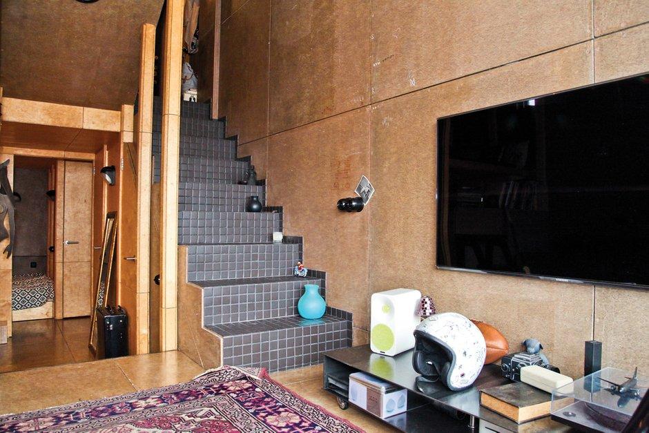 Фотография: Гостиная в стиле Лофт, Малогабаритная квартира, Квартира, Дома и квартиры, Квартиры – фото на INMYROOM