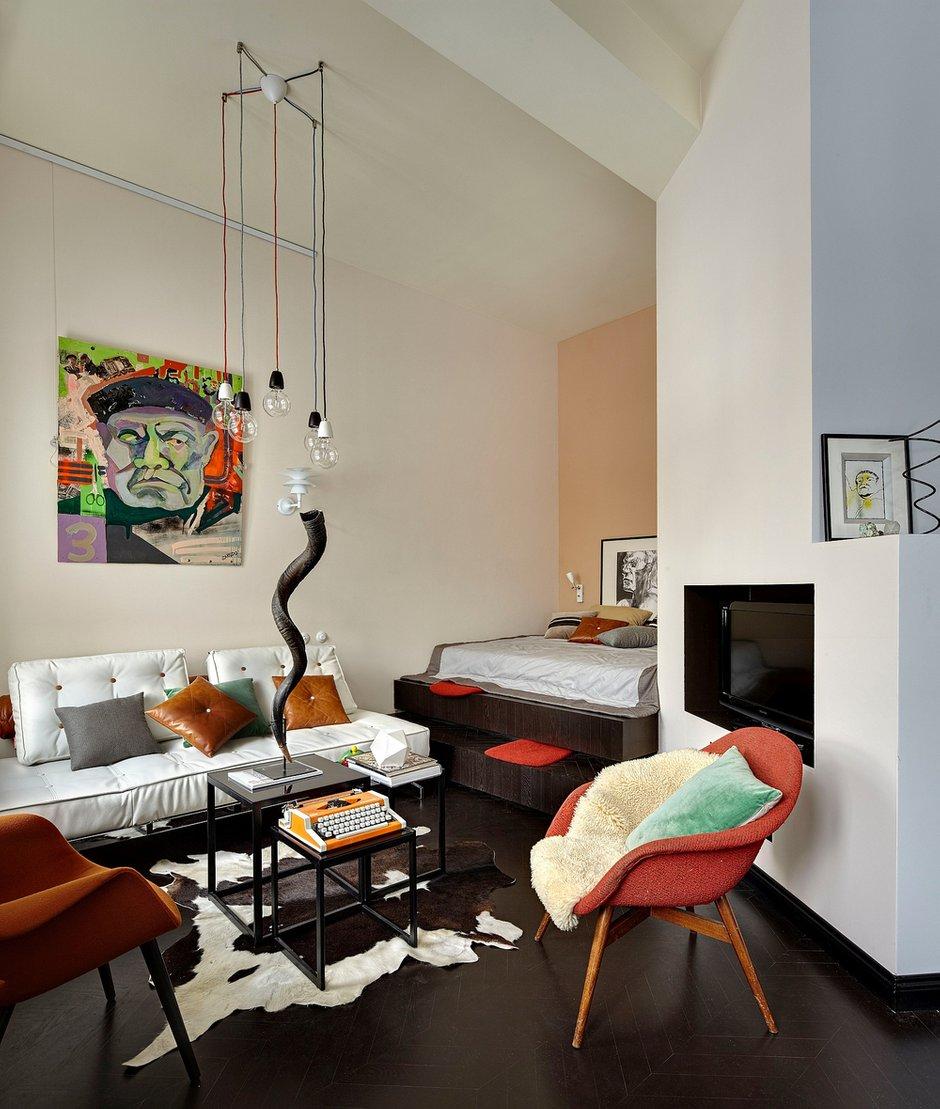 Фотография: Гостиная в стиле Хай-тек, Малогабаритная квартира, Квартира, Студия, Дома и квартиры, Проект недели – фото на INMYROOM