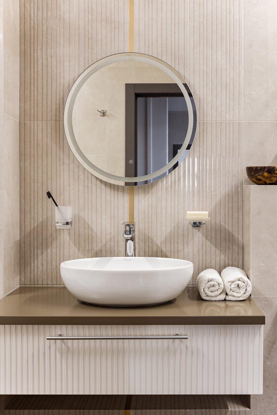 Фотография: Ванная в стиле Современный, Квартира, Проект недели, Челябинск, 3 комнаты, Более 90 метров, Денис Тарасенко – фото на INMYROOM