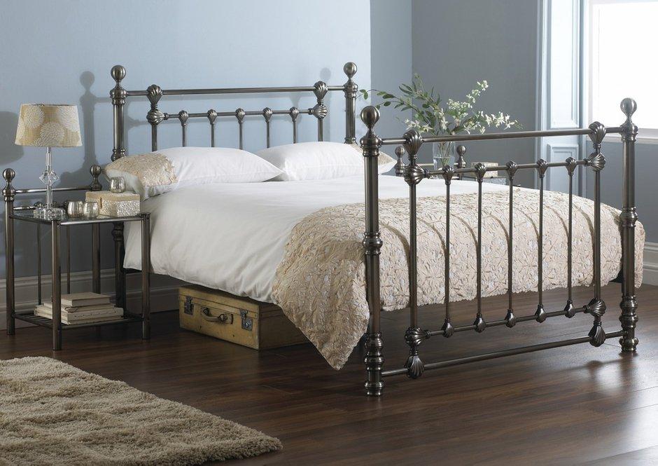 Фотография: Спальня в стиле Классический, Современный, Скандинавский, Эклектика, Декор интерьера, Мебель и свет – фото на INMYROOM