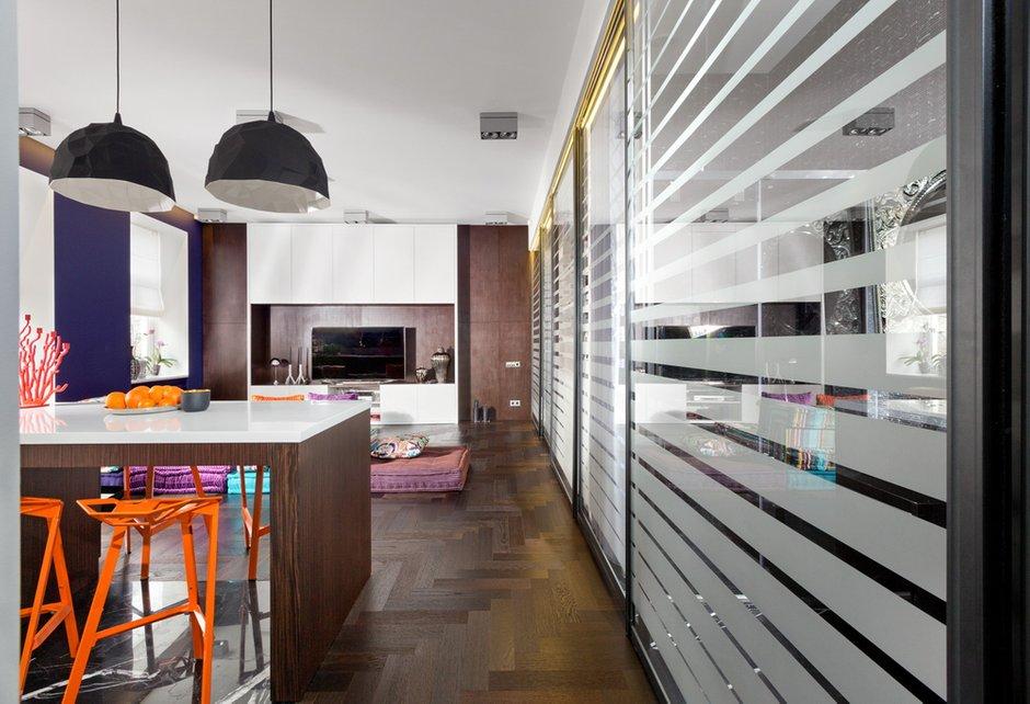 Фотография: Кухня и столовая в стиле Хай-тек, Малогабаритная квартира, Квартира, Дома и квартиры, Перепланировка – фото на INMYROOM