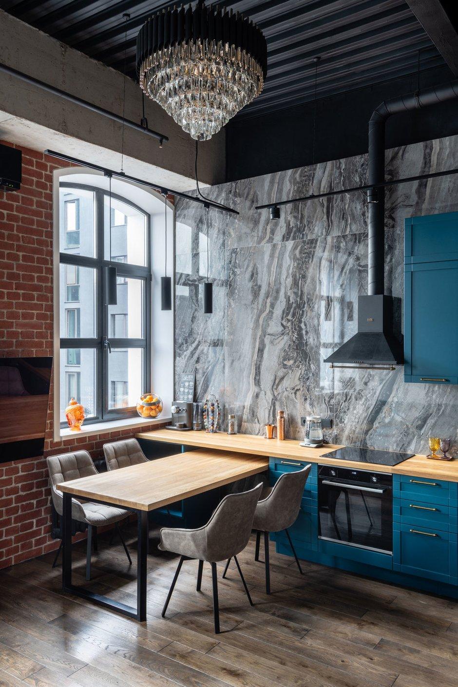 Фотография: Кухня и столовая в стиле Лофт, Квартира, Студия, Проект недели, Москва, Кирпичный дом, 40-60 метров, Юлия Сологубова – фото на INMYROOM