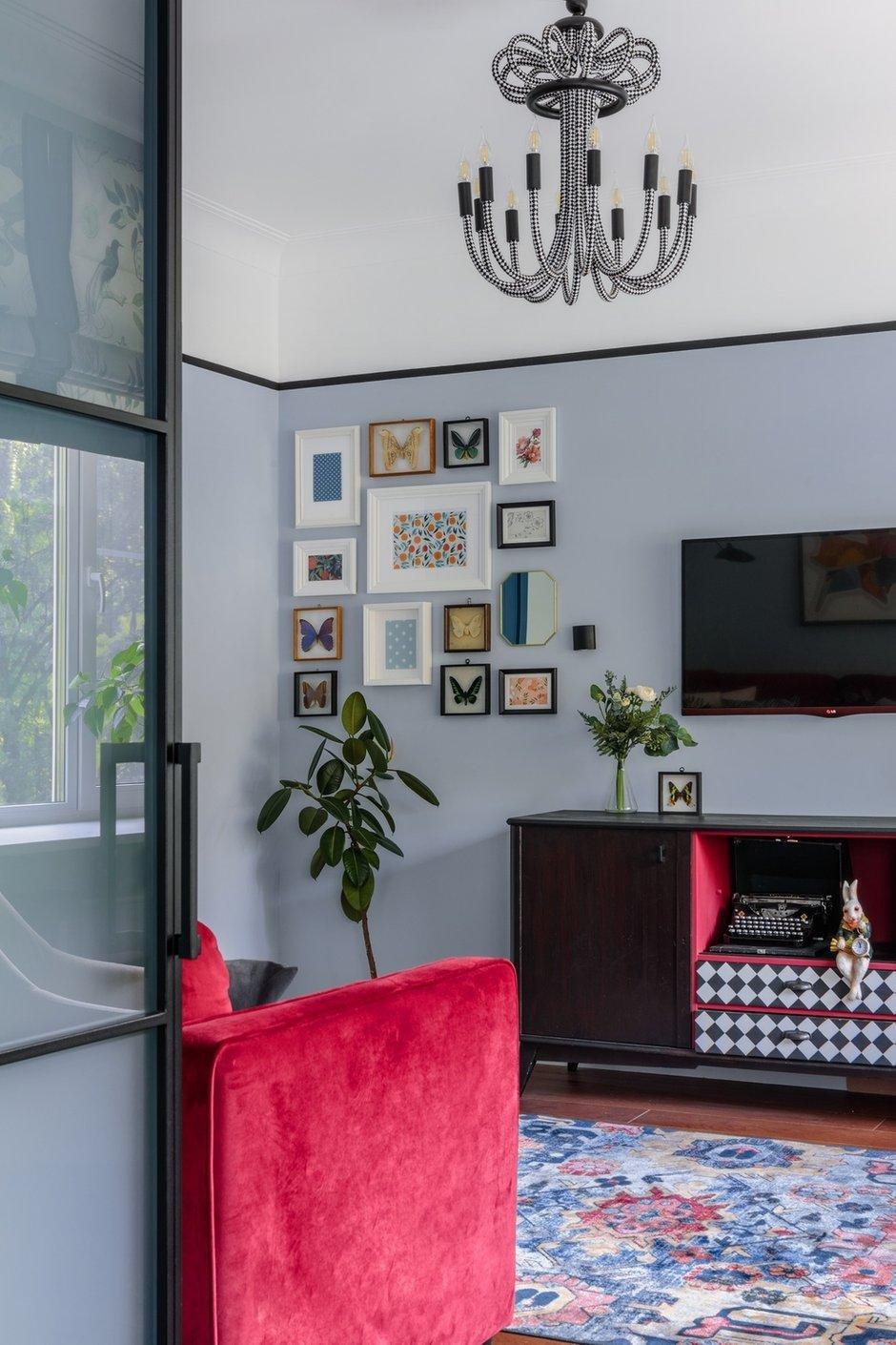 Фотография: Гостиная в стиле Эклектика, Квартира, Проект недели, Москва, 3 комнаты, 60-90 метров, Валерия Шиманская – фото на INMYROOM