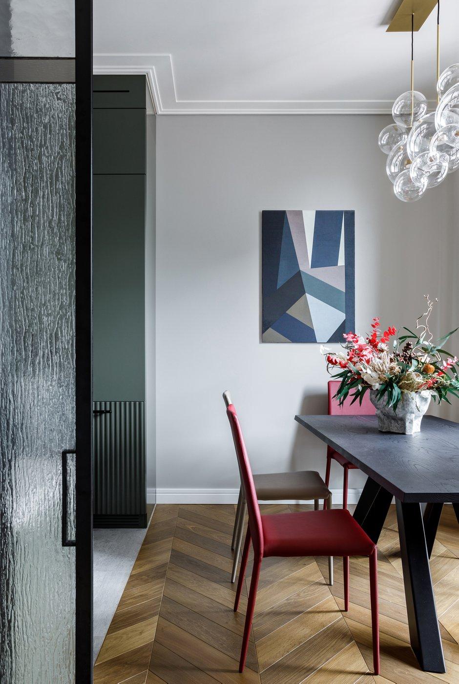 Фотография: Кухня и столовая в стиле Современный, Квартира, Проект недели, Москва, Айя Лисова, 4 и больше, Более 90 метров, Aiya Design – фото на INMYROOM