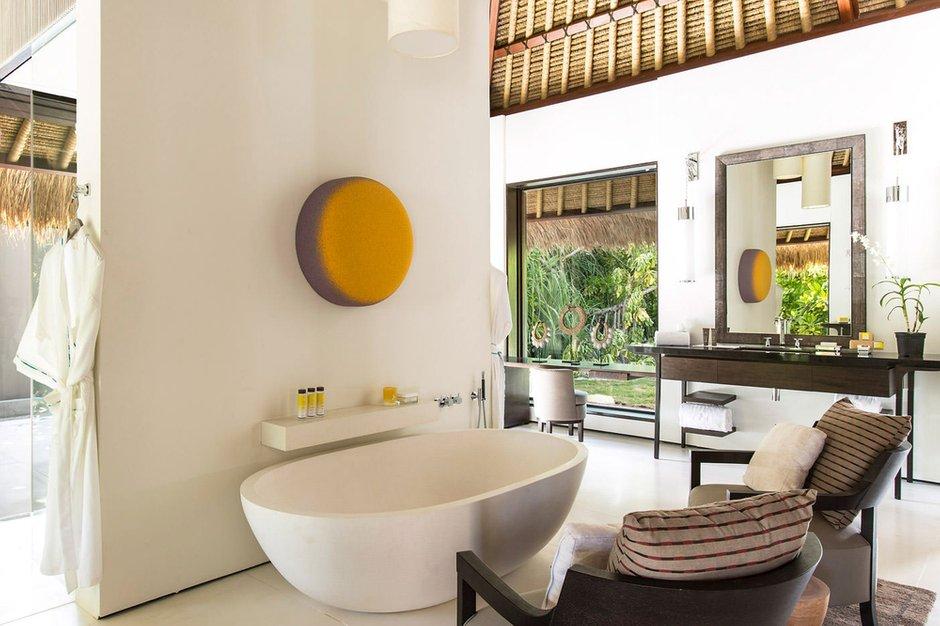Фотография: Ванная в стиле Современный, Декор интерьера, Квартира, Дом, Декор дома, Потолок – фото на INMYROOM