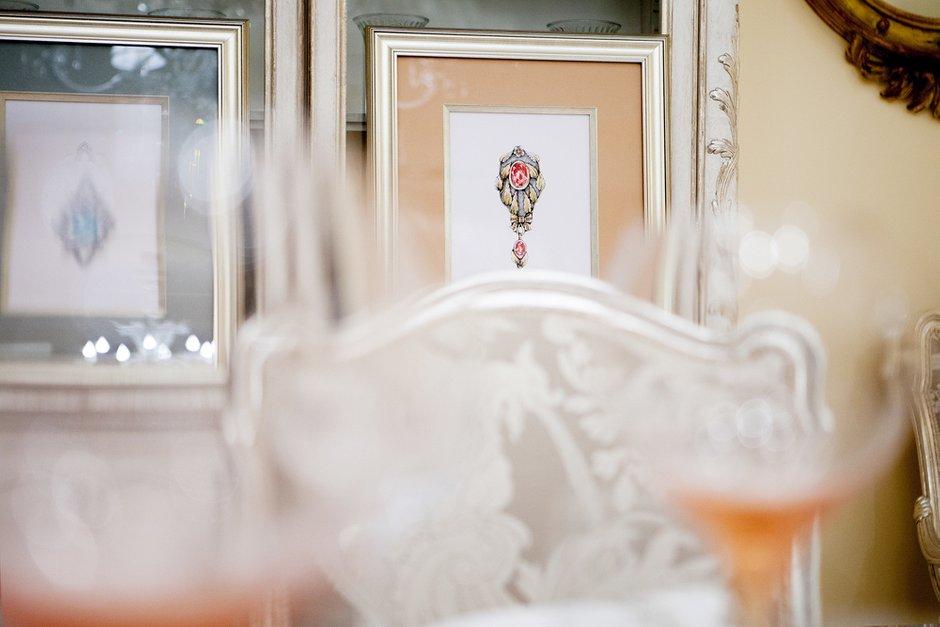 Фотография: Декор в стиле Классический, Современный, Декор интерьера, Дом, Декор дома, Картины, Надя Зотова, Украшения, Графика, Roommy.ru – фото на INMYROOM