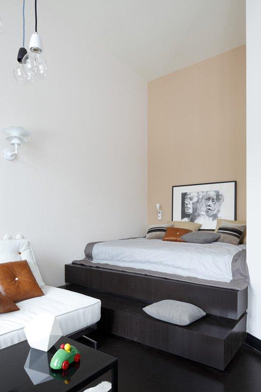 Фотография: Спальня в стиле Хай-тек, Малогабаритная квартира, Квартира, Студия, Дома и квартиры, Проект недели – фото на InMyRoom.ru