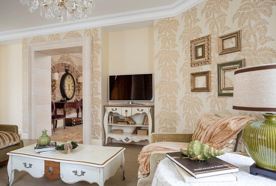 Фотография: Гостиная в стиле Прованс и Кантри, Дом, Дома и квартиры – фото на INMYROOM