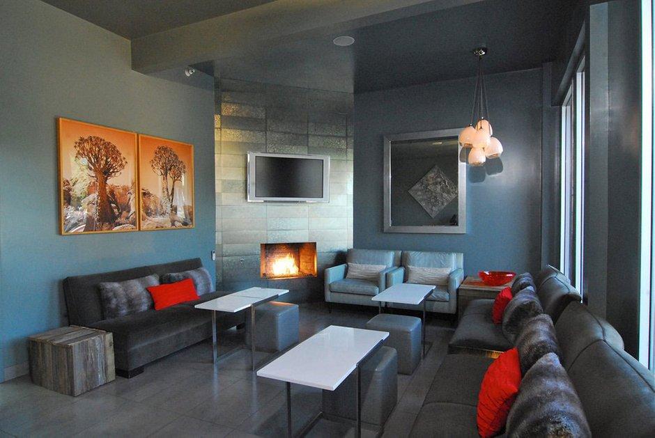 Фотография: Гостиная в стиле Лофт, Современный, Дома и квартиры, Городские места, Отель – фото на INMYROOM
