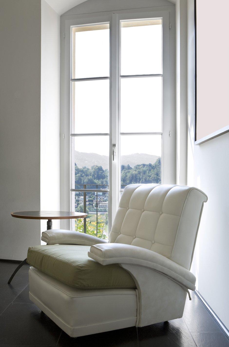 Фотография:  в стиле Современный, Декор интерьера, Декор дома, Советы, Большие окна, Панорамные окна – фото на INMYROOM