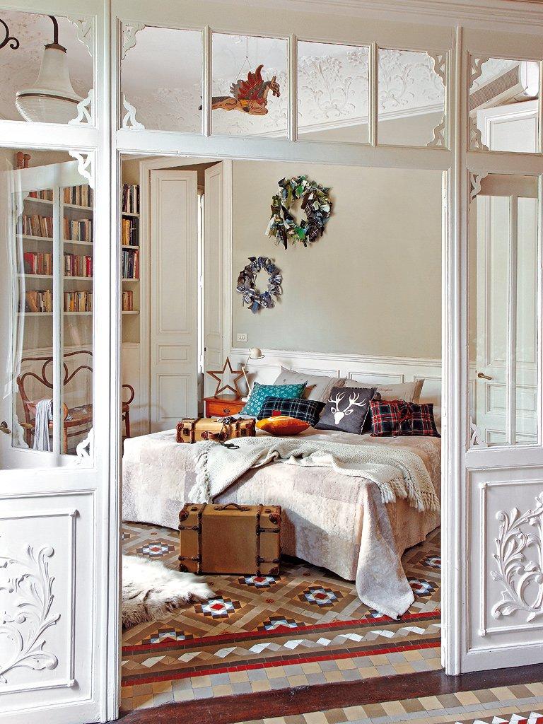 Фотография: Спальня в стиле Прованс и Кантри, Эклектика, Декор интерьера, Квартира, Дом, Праздник, Дома и квартиры – фото на INMYROOM