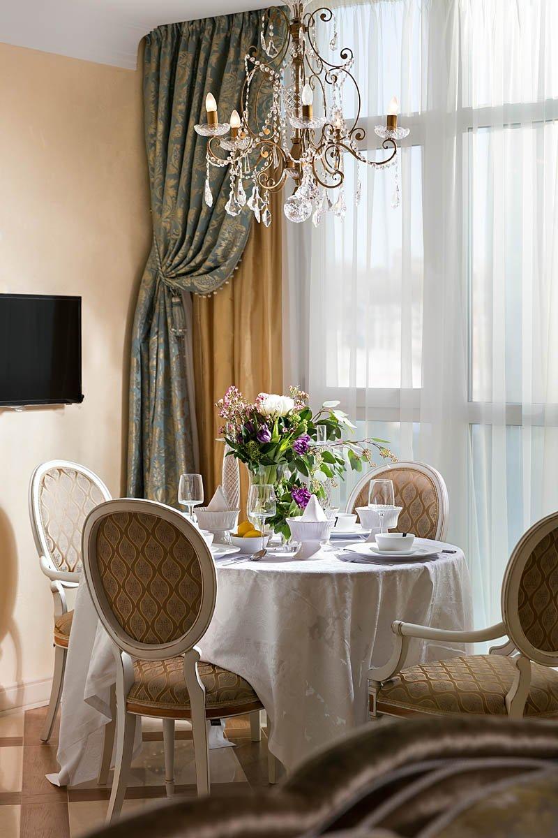 Фотография: Кухня и столовая в стиле Классический, Квартира, Проект недели – фото на INMYROOM