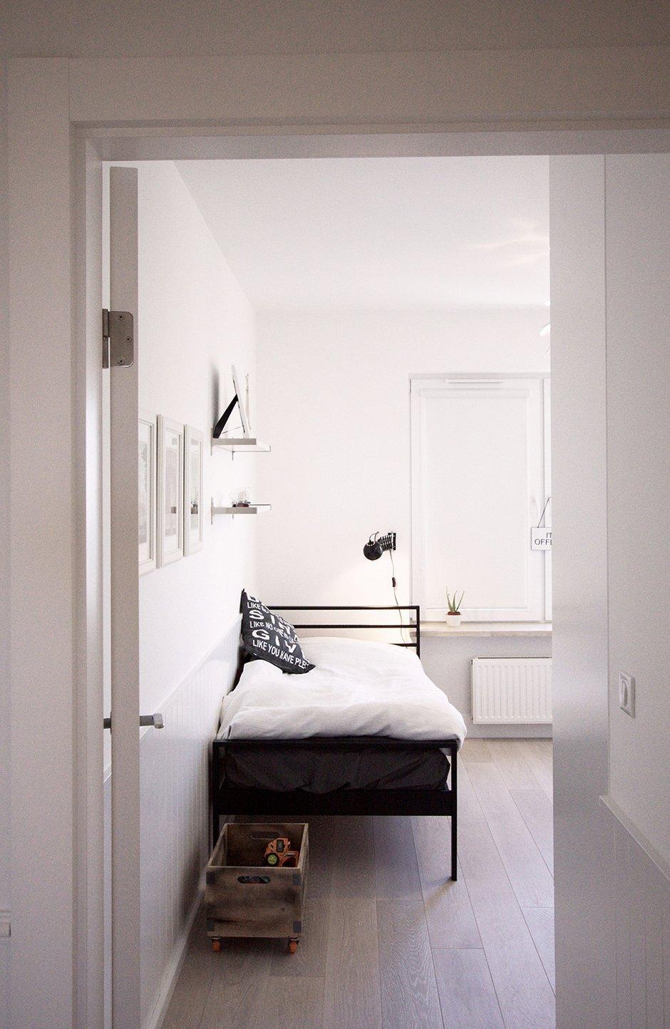 Фотография: Спальня в стиле Скандинавский, Квартира, Цвет в интерьере, Дома и квартиры, Перепланировка – фото на InMyRoom.ru