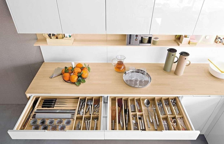 как правильно расставить шкафы на кухне фото шефлеры