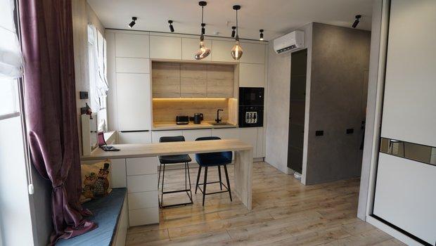 Как разместили кухню, гостиную и спальню на 20 м²: современный интерьер однушки